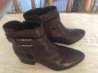 M&S footglove boots