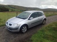 Renault Megane Dynamique 2 door 1.4 manual Silver12 months mot beautiful car and drives excellent