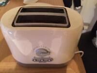 Cream Swan 2 Slice toaster