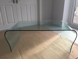 Glass Table great condition one chip great price