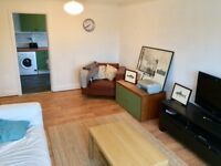 Bright, spacious 2 bed flat.