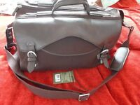 HIDESIGN GENUINE LEATHER & CANVAS TRAVEL WEEKEND BAG cost £149