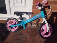 B'TWIN RUN RIDE KIDS' 10-INCH BALANCE BIKE - BLUE/PINK