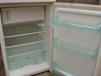 UNDERWORK TOP FRIDGE WITH 2 STAR FREEZER BOX,