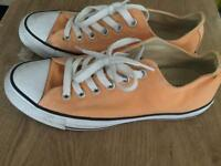 Converse - Peach size 5 (like new)