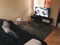 A Stunning Two Double Bedroom huge Apartment With oustide SPace * BILLS INCLUDED*