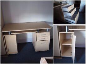 big computer desk in good condition
