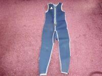 Ladies size 10 wetsuit (heyland marine)