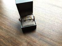 Ladies 18ct gold 3 stone diamond ring
