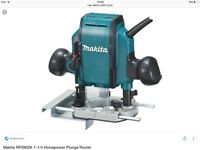 Makita r0900 plunge router brand new no box no fence..£80 quicksale...£150 rrp