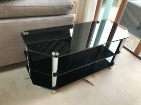 """Glass/Silver TV stand (55"""" TV) 114cm * 45cm * 50cm high very solid"""