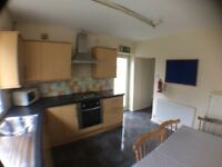 5 bedroom house in Treforest