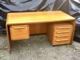 Vintage styled locking desk