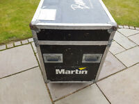*SOLD* 2x Mac 600 Wash Moving Head - inc. Twin Flightcase
