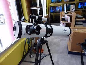 Télescope ORBITOR 3500 200X parfaite condition.  #F017282