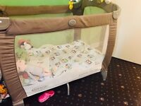 Travel cot graco contour electra with bassinet
