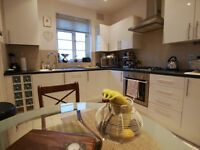 BACK ON THE MARKET Stunning 2 bed flat within a purpose built development in the heart of Southgate