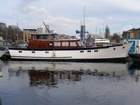 Houseboat With Mooring in South Dock Marina, London for Sale!