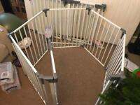 Dreambaby play pen/playpen/baby gate great condition