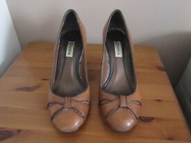 Light brown high heel shoes from Dune hardly worn size 39