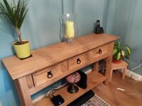 Console table good condition 3 drawers