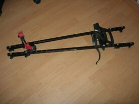 1 Cycle carrier (Paddy Hopkirk) to fit Thule square bars (761 bars available)