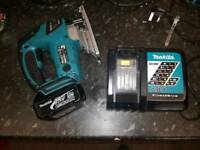 Makita 18v lxt jigsaw 3.0 battery and charger