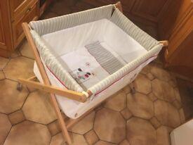 Baby bedside crib