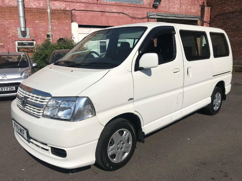 TOYOTA HIACE 2 5 D4D 2011 11 REG 9 SEATER MINIBUS IN WHITE + MOT FEB 2019 |  in Birmingham, West Midlands | Gumtree