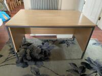 Office desk 123cmx75cm table top