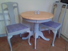 Paris grey painted pedestal dining/kitchen table and 2 chairs with queen Anne legs