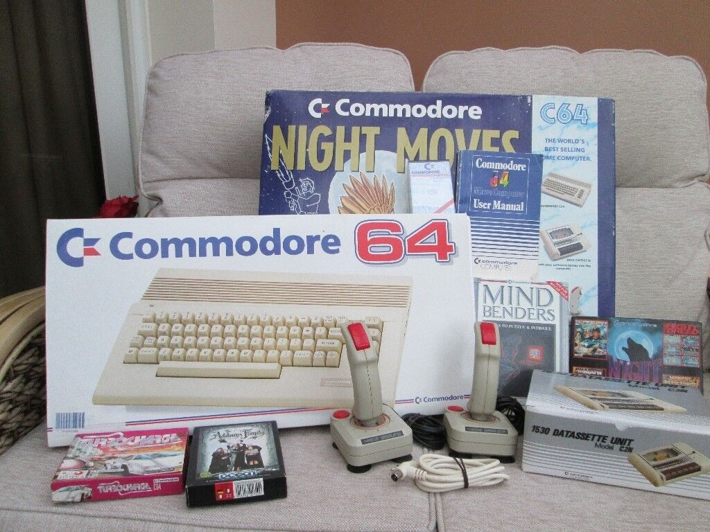 Commodore C64 Boxed Console Bundle Mindbenders / Night