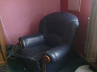 Leather suite - beautiful condition, sturdy, with nothing wrong with it 95