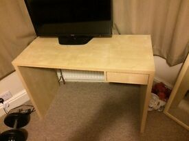 Desk for sale in SO15