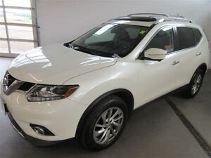 2015 Nissan Rogue SL! AWD! BACK-UP! ALLOY! NAV! LEATHER!