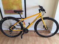 Women's bicycle/Pinaccle Lithium 4