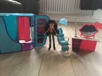 Bratz doll and bratz salon and photobooth all for £15