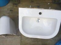 Wall mounted sink bastheoom basin