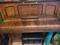 Upright piano perfect condition