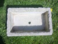 STONE GARDEN TROUGH WITH CENTRAL DRAINAGE HOLE
