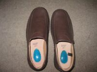 BRAND NEW PAIR OF MEN'S BROWN SMART CASUAL SLIP-ON LOAFERS – SIZE UK 7.5