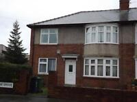 2 bedroom flat in Ferndene Grove, High Heaton