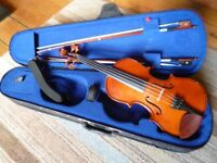 Violin (Stentor 2, three-quarter size) plus bow and accessories