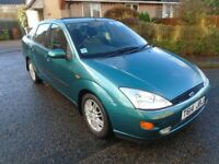 FORD FOCUS GHIA, very low mileage, full service history..£695..