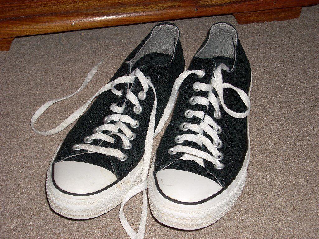 b0da53cd73 Converse Black Canvas Shoes size 9