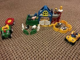 Wow toys full farm set including vehicles, animals and figures