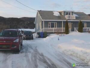 194 499$ - Bungalow à vendre à Carleton-sur-Mer