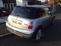 2003 53 MINI 1.6 COOPER 3DR FULL GLASS PAN ROOF , HALF RED LEATHER