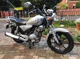 2 Yamaha ybr125 customs mint low miles 13 and 14