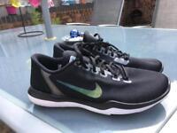 Nike flex supreme TR5 metallic.